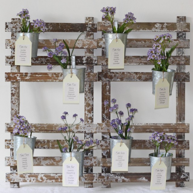rustic-table-plan-with-flower-pots