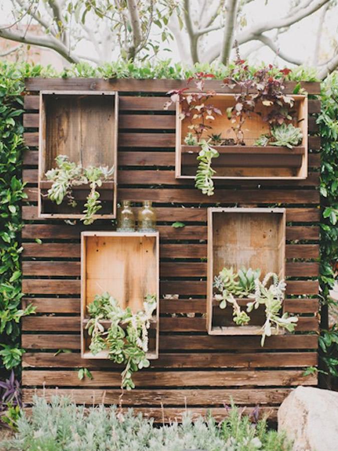 Gratia catering blog - Jardines decorados con madera ...