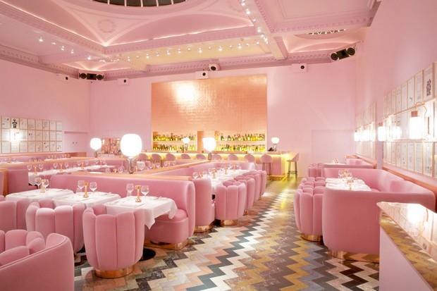 Room-Decor-Ideas-5-Restaurant-Designs-by-India-Mahdavi-to-Inspire-your-Dining-Room-Decor-Luxury-Interior-Design-6