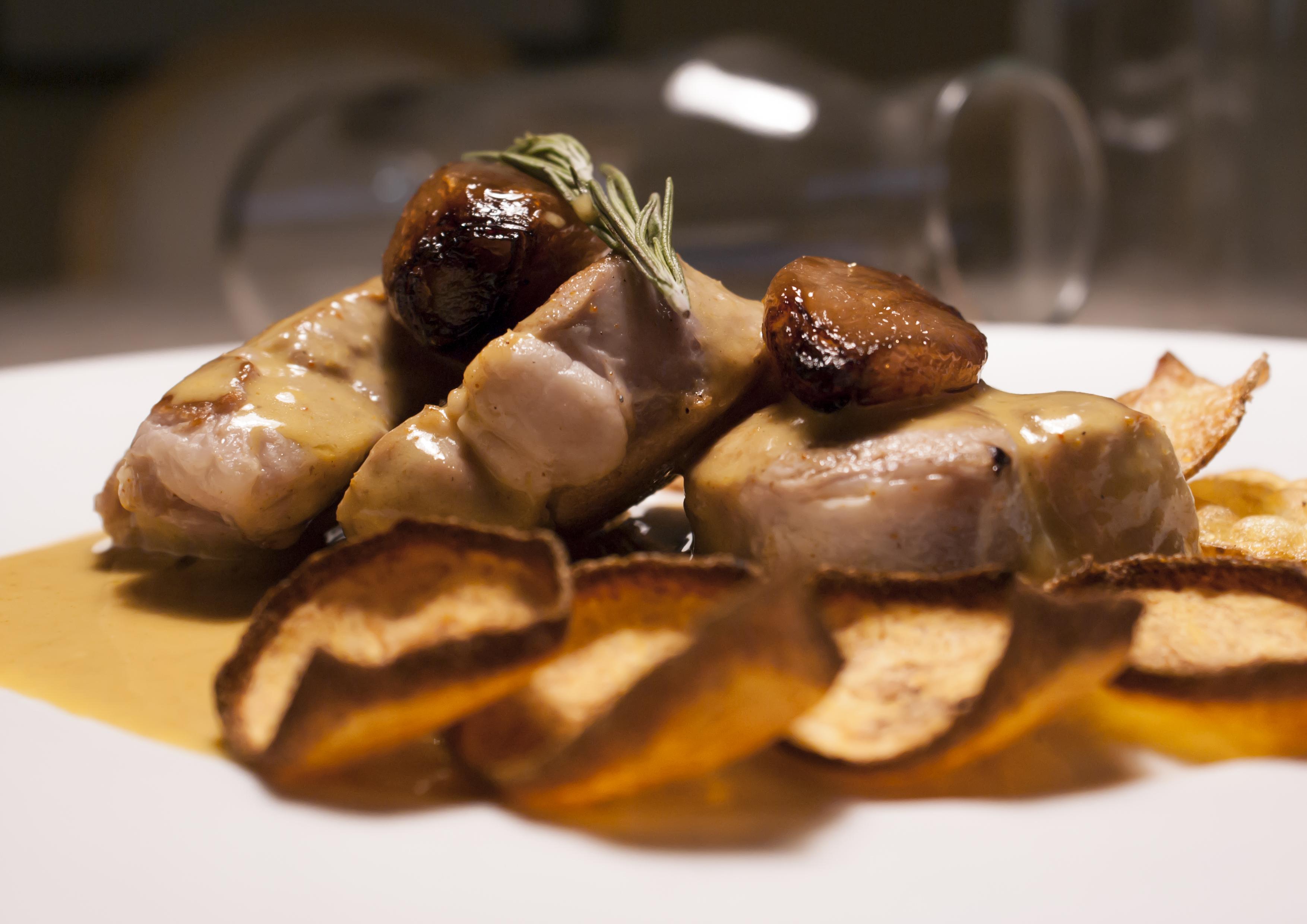 solomillo-de-cerdo-iberico-con-salsa-de-coco-al-curry-rojo