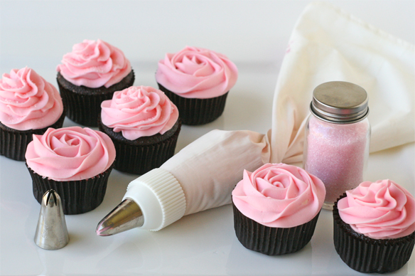 Pink-cupcakes-and-tips